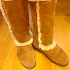 Uggs Sundance II tall boots size 6.5M, fits 7-8M